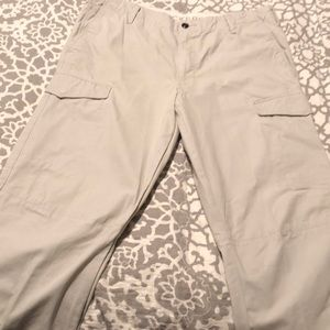 Dockers Cargo pants like new